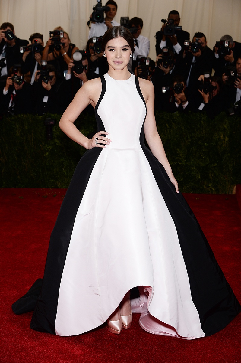 Hailee Steinfeld in a Prabal Gurung dress and Van Cleef & Arpels jewelry